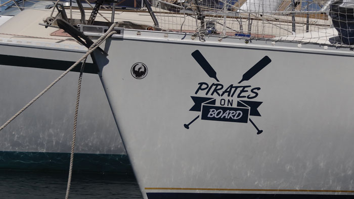 "une inspiration d'un sticker au motif ""pirates"""